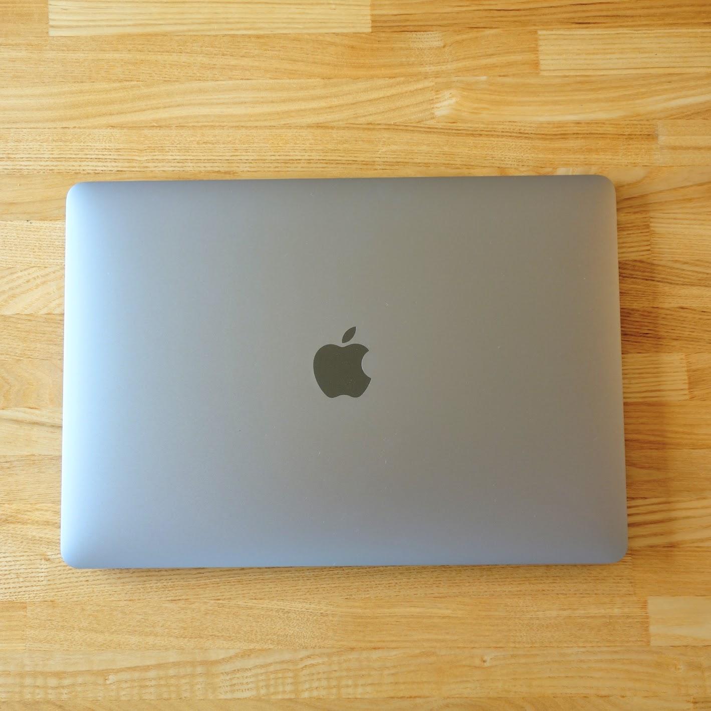 MacBook Air 2020外観真上から