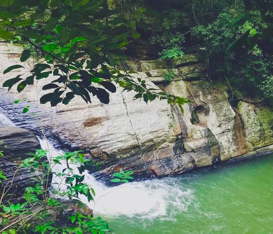 Makuluthota Ella Waterfall