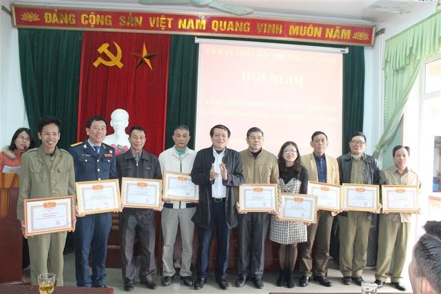 Các tập thể, cá nhân được tặng giấy khen có thành tích xuất sắc trong công tác QP -AN năm 2020