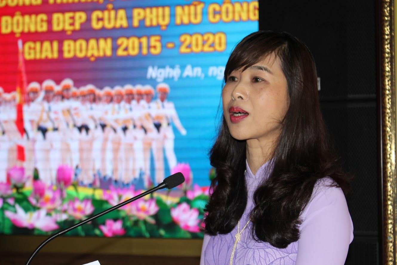 Đồng chí Nguyễn Thị Quỳnh Hoa, Chủ tịch Hội LHPN tỉnh                                          ghi nhận và đánh giá cao những kết quả đạt được của                                                                                   Hội phụ nữ Công an tỉnh trong thời gian qua