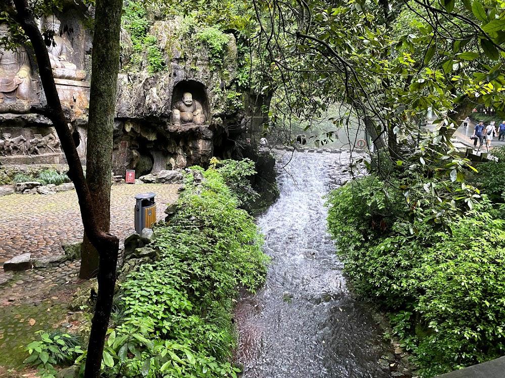 弥勒佛石窟