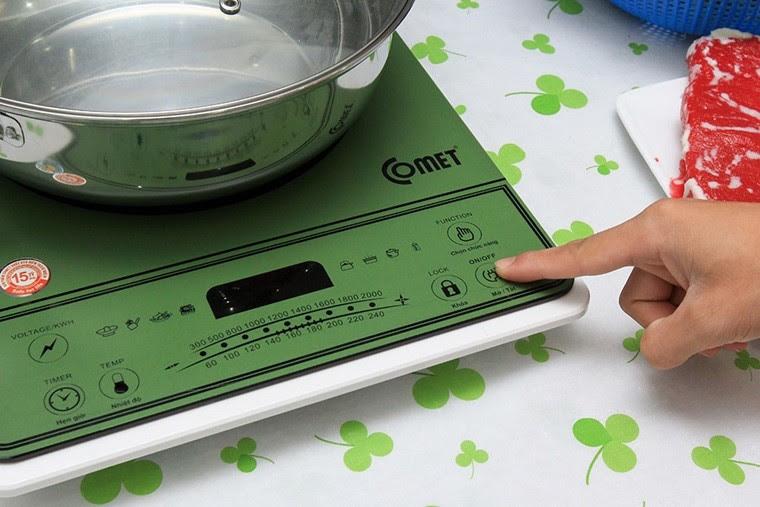 tắt bếp từ chờ bếp giảm nhiệt