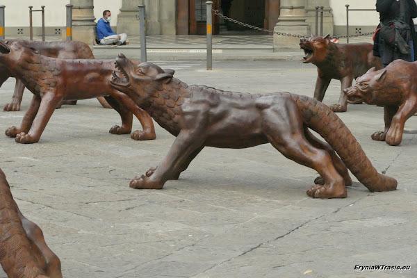 patrz: Dwa kościoły, wilki itatar