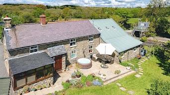 Detached Cefn Coch home