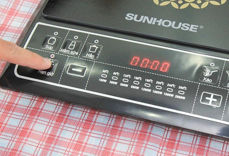 """Nhấn tắt nút hẹn giờ trên bảng điều khiển, tiếng """"bíp"""" sẽ ngừng lại."""