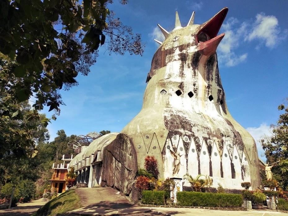 Gereja Ayam, o templo da galinha na Indonésia