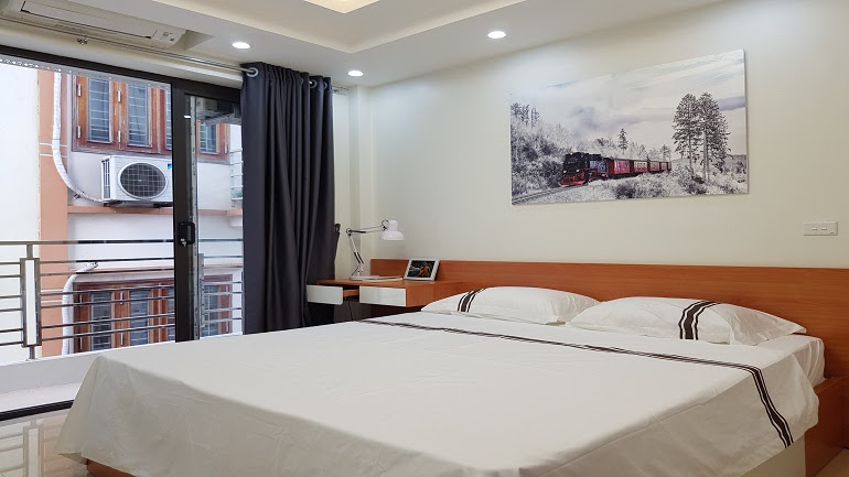 Nice brand – new one bedroom apartment with balcony in Au Co street, Tay Ho district for rent