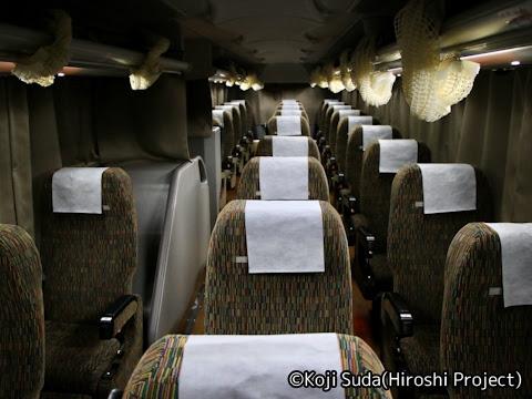 近鉄バス「SORIN号」 2954 車内