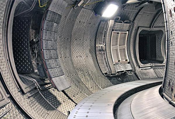 Проект «WEST» – экспериментальный термоядерный реактор типа токамак со сверхпроводящими катушками и вольфрамовыми стенками