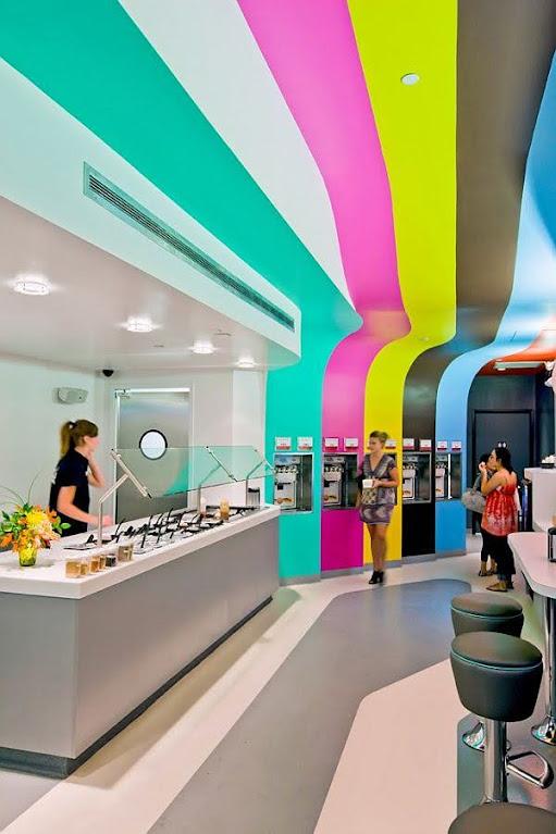 thiết kế nội thất cửa hàng sữa chua