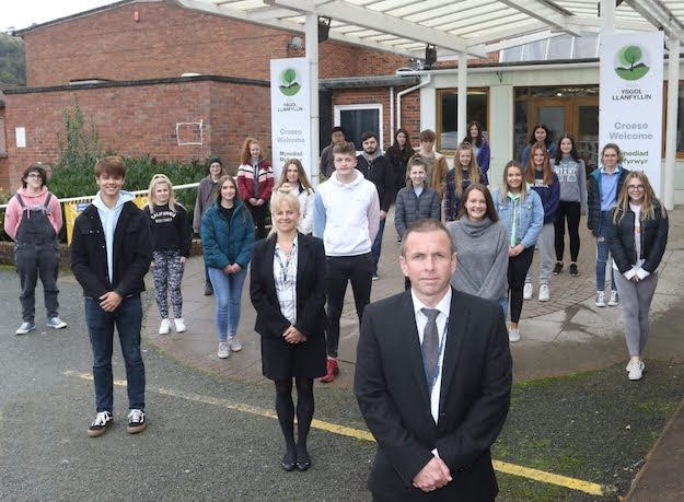 School to promote Sixth Form online