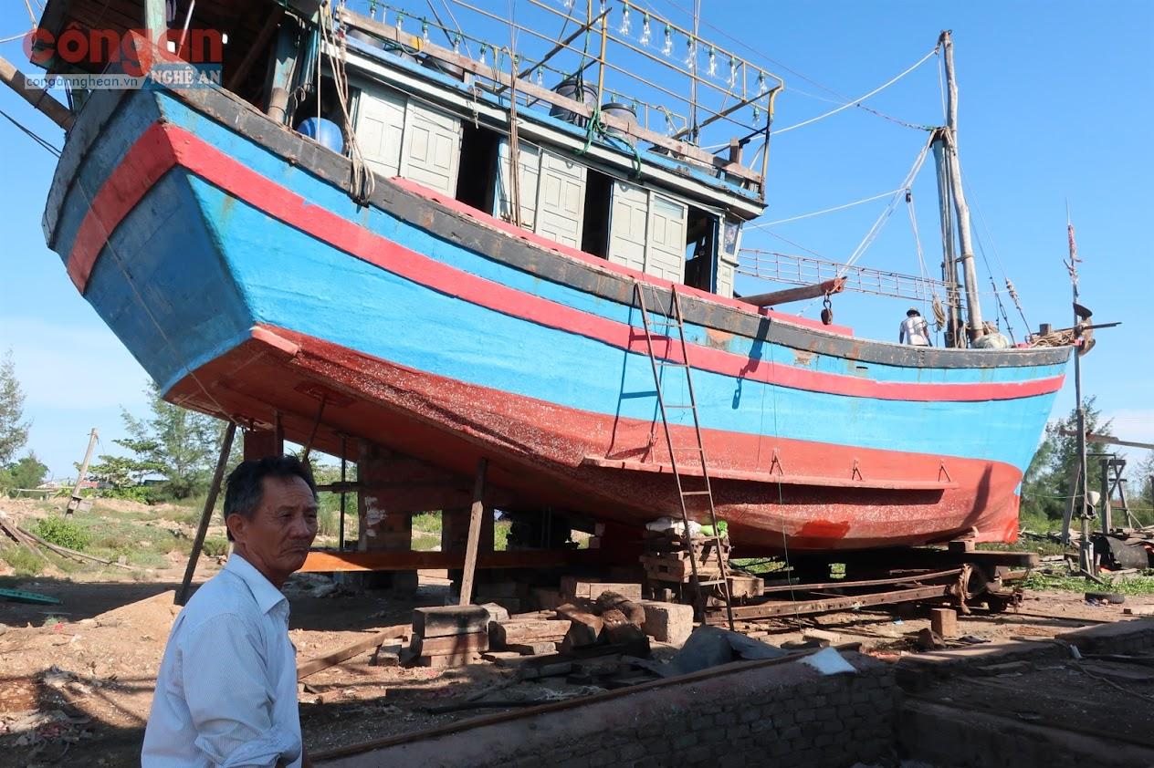 Con tàu của anh Tài sau khi mắc cạn bị hư hỏng  phải sửa chữa hết hơn 100 triệu đồng