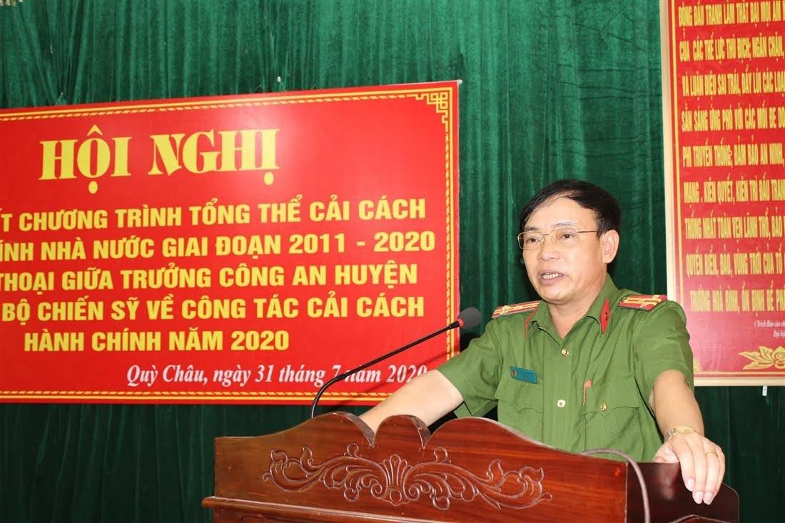 Đồng chí Thượng tá Nguyễn Đình Hùng - Trưởng Công an huyện phát biểu  tại Hội nghị