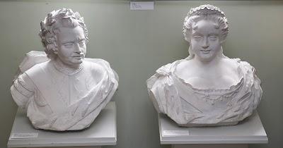 Илл. 5. Бюсты Петра I и Екатерины I. С. Зельтрех, 1720-е гг. Доломит. Фото: Я. Кюннап