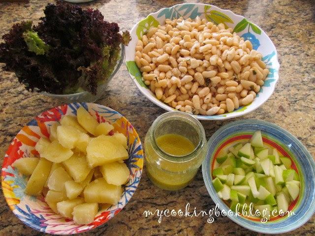 Салата с бяб боб, зелена ябълка, картофи и лоло росо - продукти