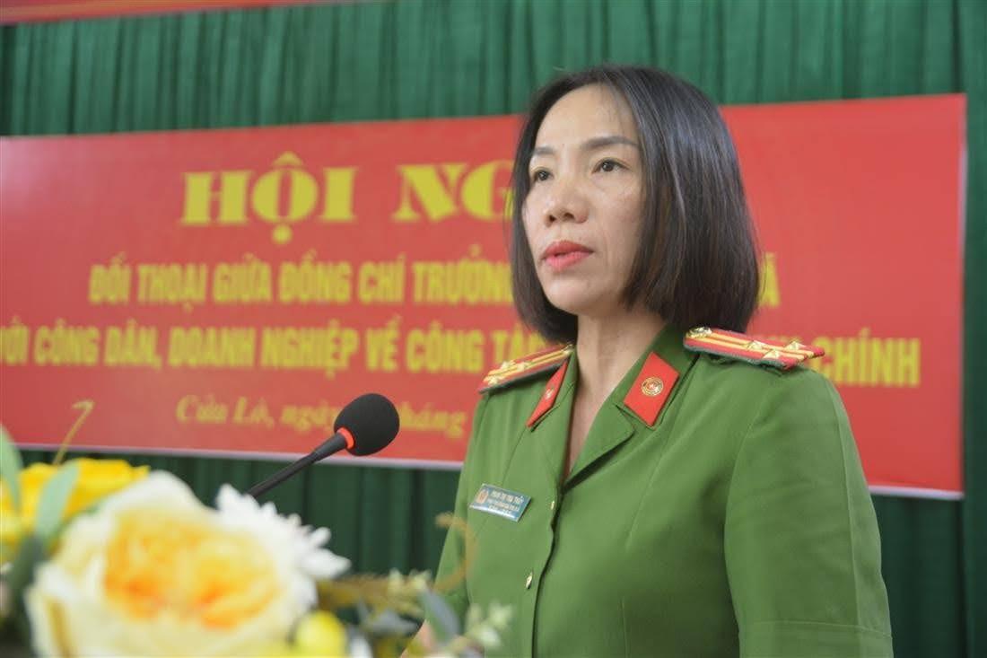 Thượng tá Phan Thị Thu Thủy, Phó trưởng Công an thị xã Cửa Lò đã thông qua kết quả công tác CCHC của đơn vị