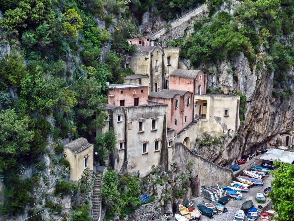 Furore, a escondida vila italiana