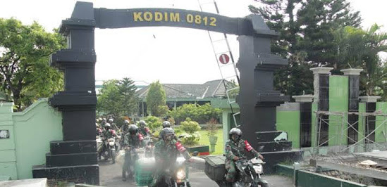 Kodim 0812/Lamongan Salurkan Zakat Door To Door