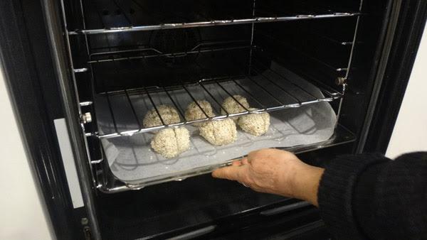 Keto bread, gluten free, bread, bread rolls, New Zealand, Aotearoa, Kai, Hot Girls Cooking, New Zealand (NZ) Cooking, Cooking for real, unilife, unifood,  新西兰烹饪,配有照片的食谱教程