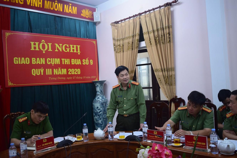 Đồng chí Thượng tá Đào Văn Huy, Phó Trưởng phòng PX01 Công an tỉnh phát biểu tại Hội nghị.