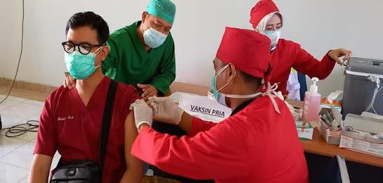 Vaksin booster nakes Ngawi