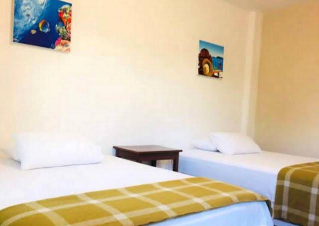 Habitacion Triple Wifi Hotel Chacon Manglaralto Santa Elena Montañita Ecuador