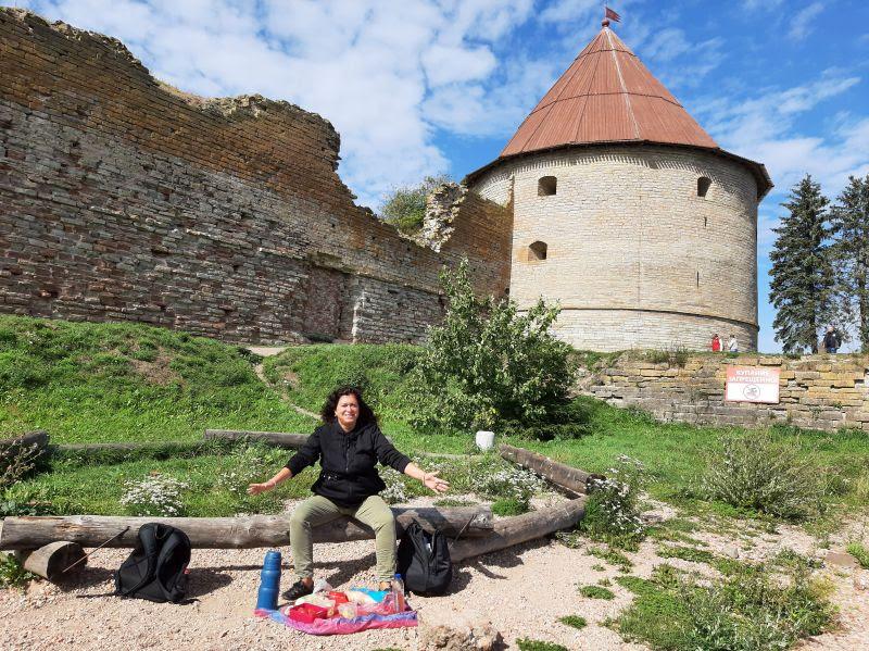 Саблинские пещеры и водопады, крепость Орешек + неформальный Санкт-Петербург