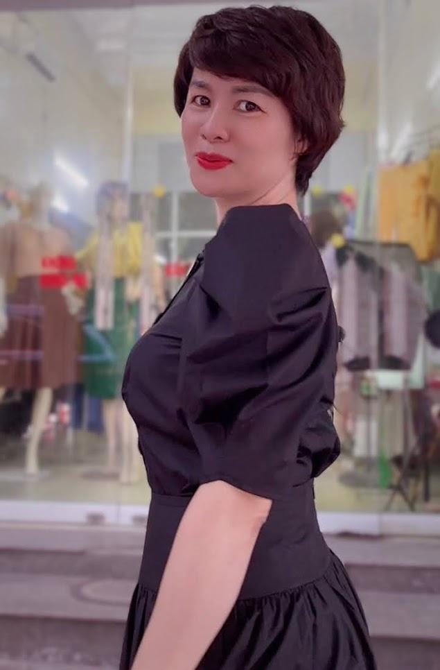 áo croptop nữ tay bống phối đồ chân váy xòe midi thời trang thủy cát bà