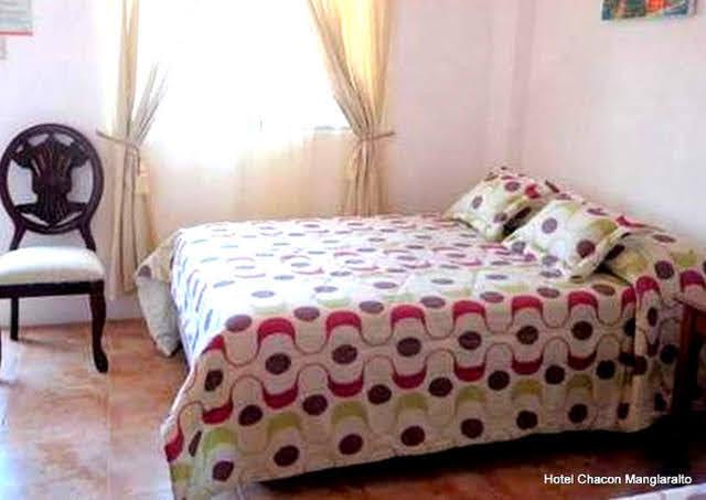 Habitacion Matrimonial Hotel Chacon Manglaralto Ecuador