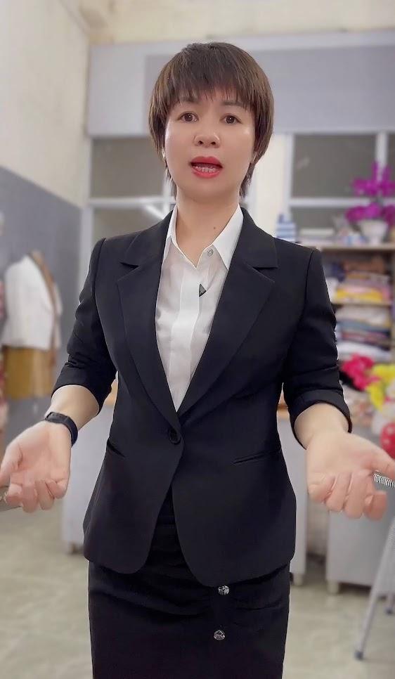 áo vest nữ 1 lớp chân váy bút chì công sở mặc đẹp thời trang thủy hà nội