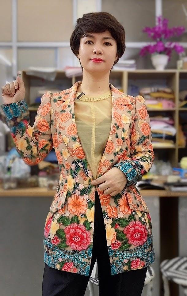 áo vest nữ dự tiệc hoa thêu in 3D thời trang thủy hải phòng năm 2021