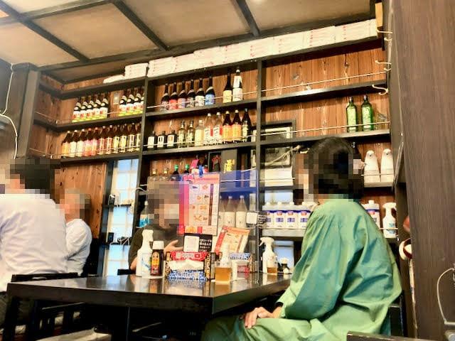 店内のボトル棚