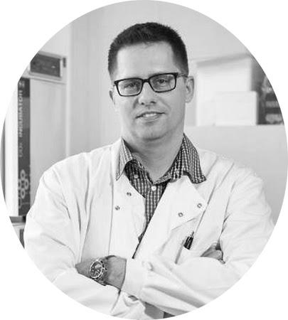 Ing. Juraj Majtán, DrSc. z Ústavu molekulárnej biológie SAV