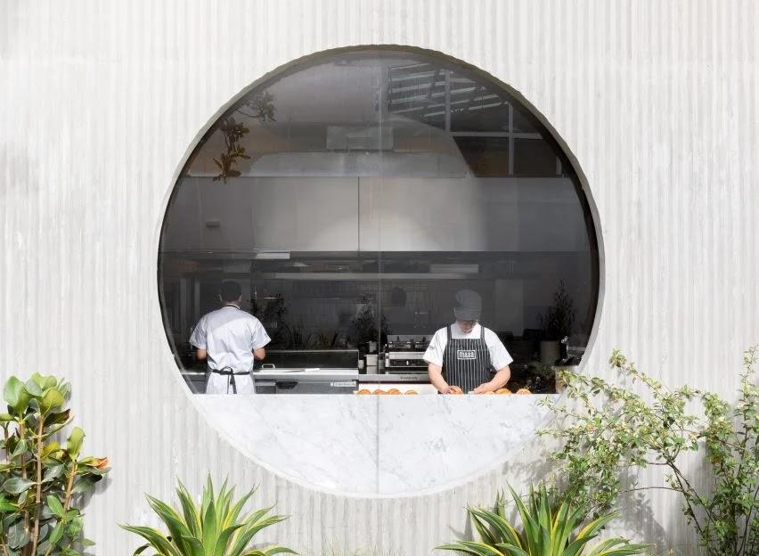 thiết kế bếp cửa hàng ăn