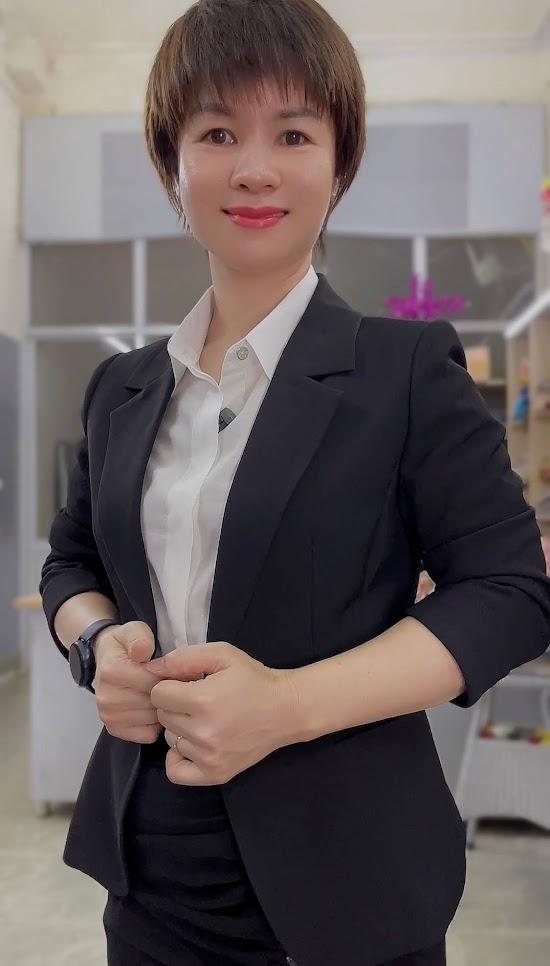 áo vest nữ 1 lớp chân váy bút chì công sở mặc đẹp thời trang thủy đà nẵng