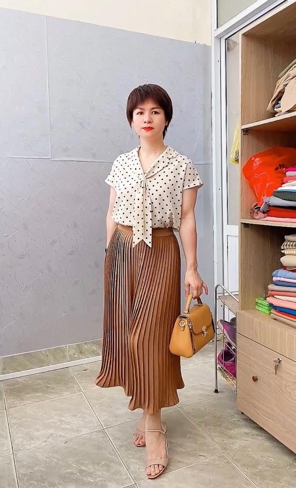 Áo sơ mi nữ cổ nơ và chân váy xòe midi xếp ly V765 thời trang thủy quảng ninh