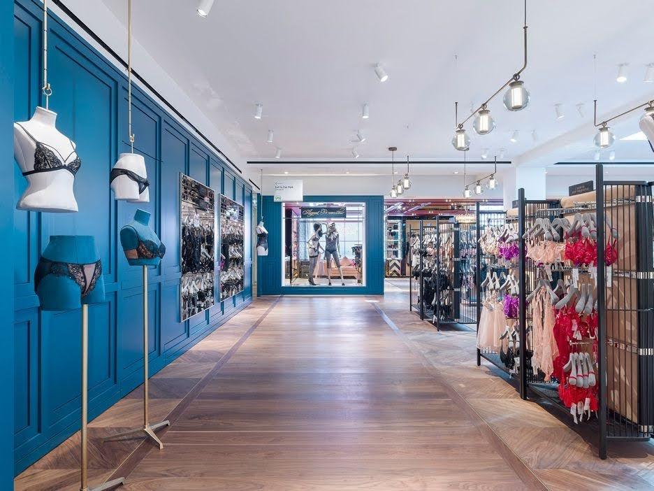 thiết kế cửa hàng đồ lót