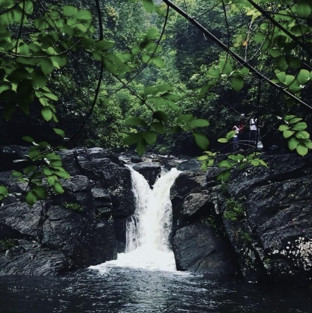 Thambadola Ella (Polgampola Waterfall)