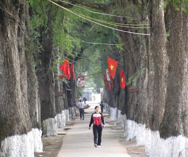 Bài số 18. Từ thị xã Thái Hòa đến Lam Sơn về thành phố Thanh Hóa