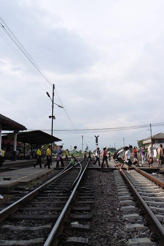 2007092019 - Ayutthaya Railway Station