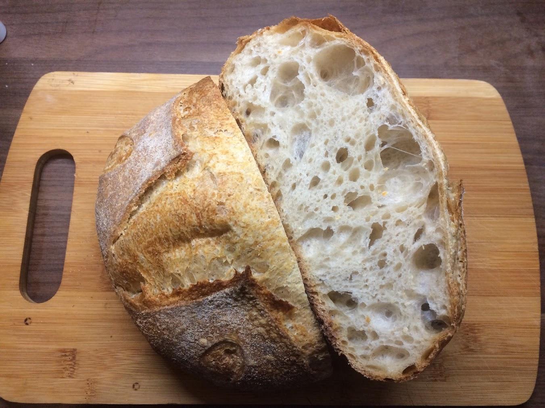 Хлеб пшеничный из смешанной муки на сухих отрубяных фруктовых дрожжах попытка 2