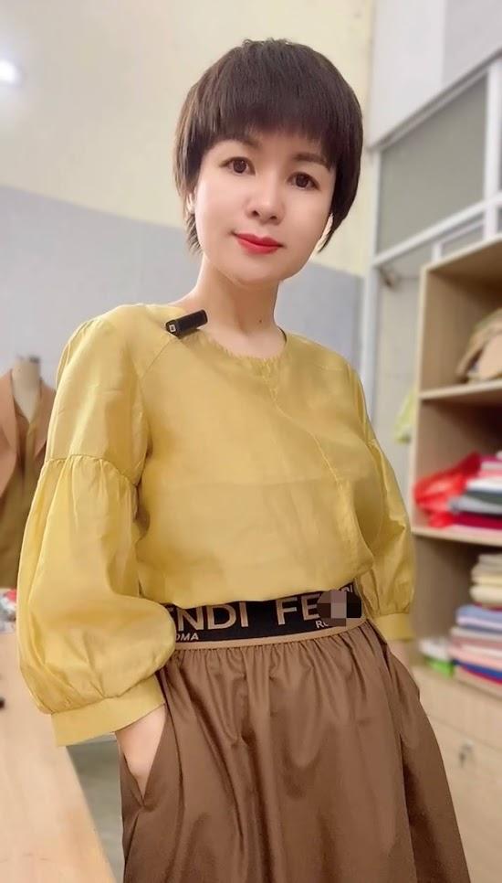 áo sơ mi nữ công sở phối đồ chân váy xòe midi thời trang thủy hà nội