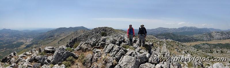 Subida al Martín Gil y Crestería de Sierra Blanquilla