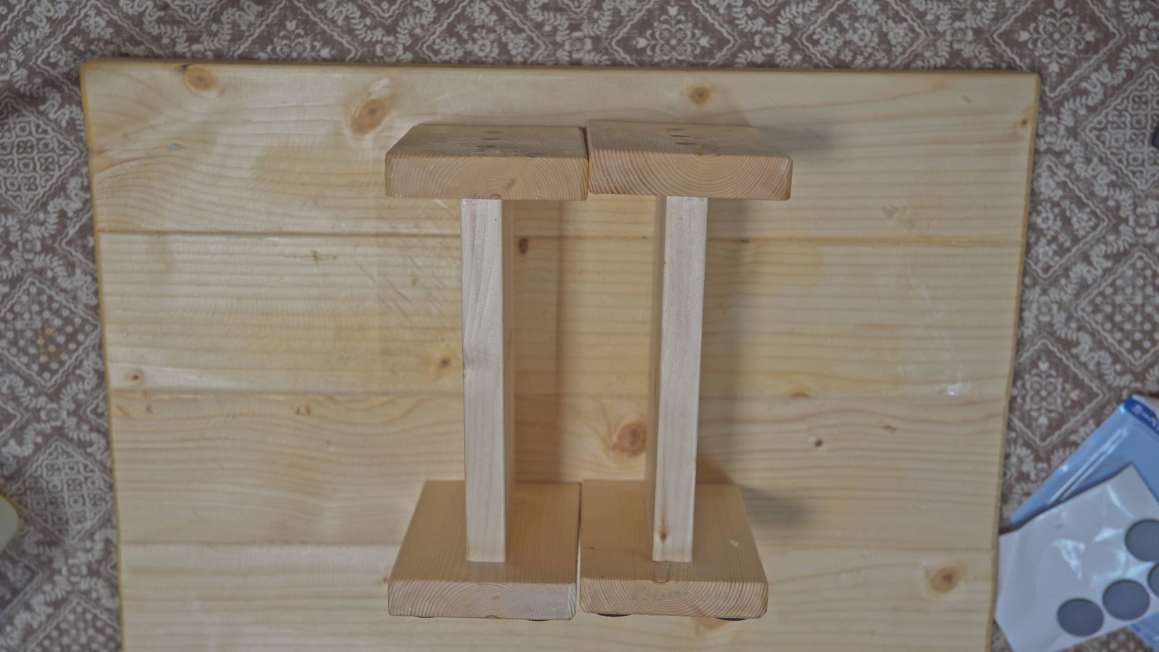 1×4材だけで作る「スピーカースタンド」