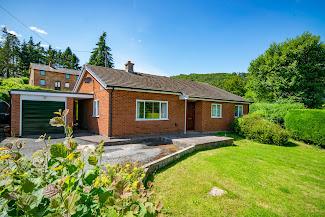 Meifod bungalow for sale