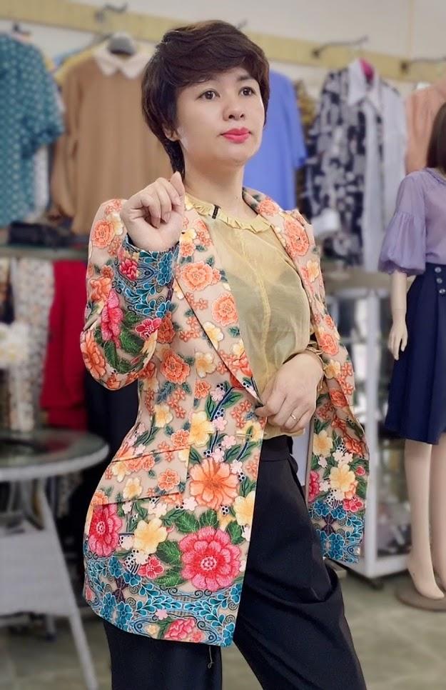 áo vest nữ dự tiệc hoa thêu in 3D thời trang thủy hà nội