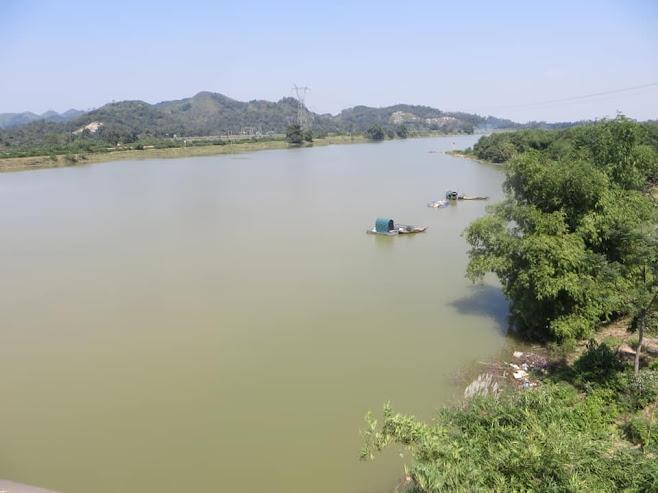 Bài số 17. Từ Đức Thọ theo quốc lộ 15 về thị xã Thái Hòa