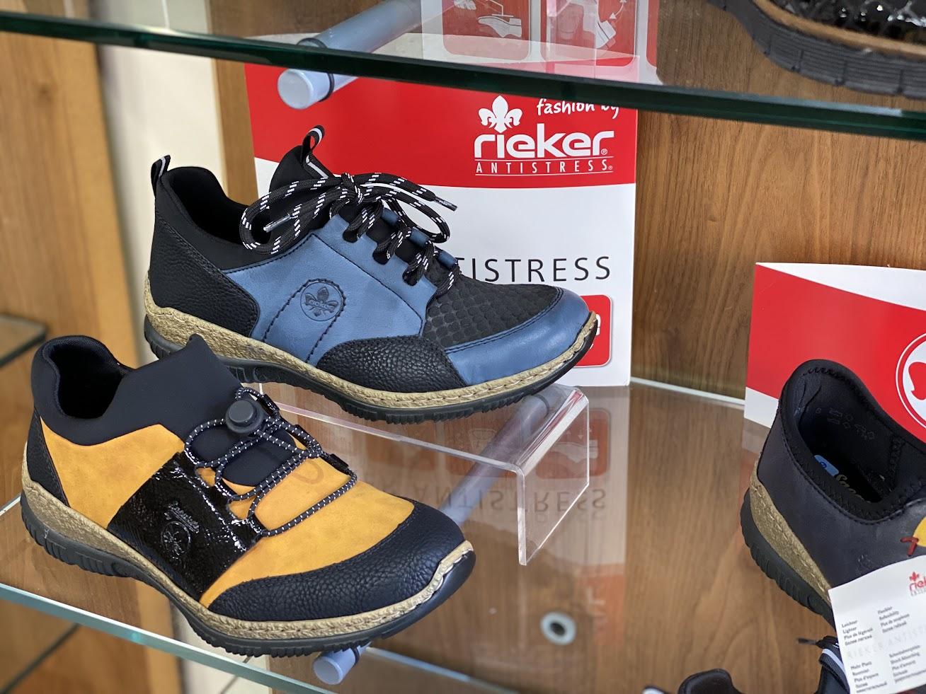 Mostyn McKenzie shoe shop in Tenterden