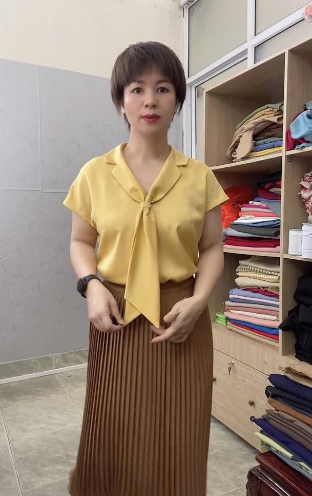 Áo sơ mi nữ cổ nơ và chân váy xòe midi xếp ly V765 thời trang thủy kiến an