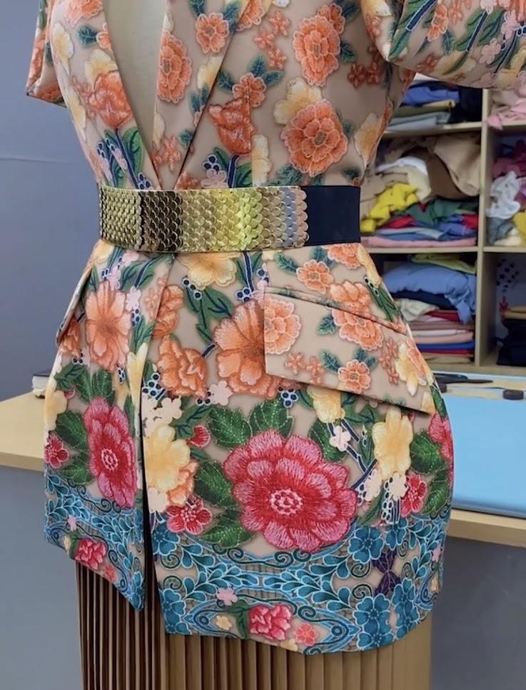 áo vest nữ dự tiệc hoa thêu in 3D thời trang thủy quảng ninh